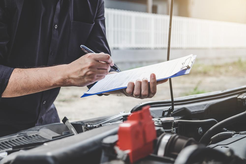 assicurazioni e revisione auto
